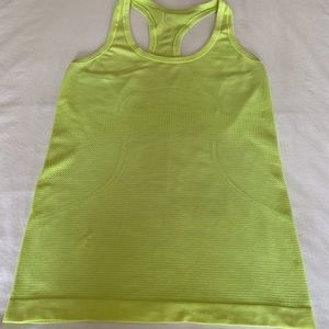 Lululemon Swiftly Tech tank Size 6